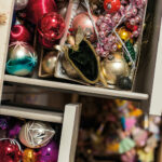 07_christmas_bulbs